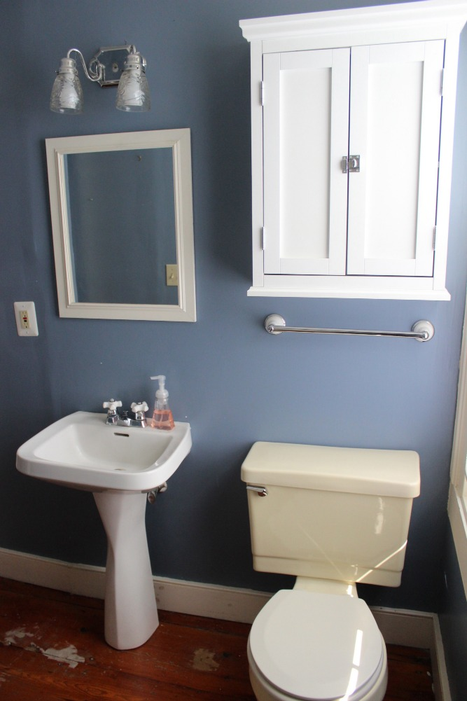 Old house bathroom renovation breida with a b for Old bathroom renovation